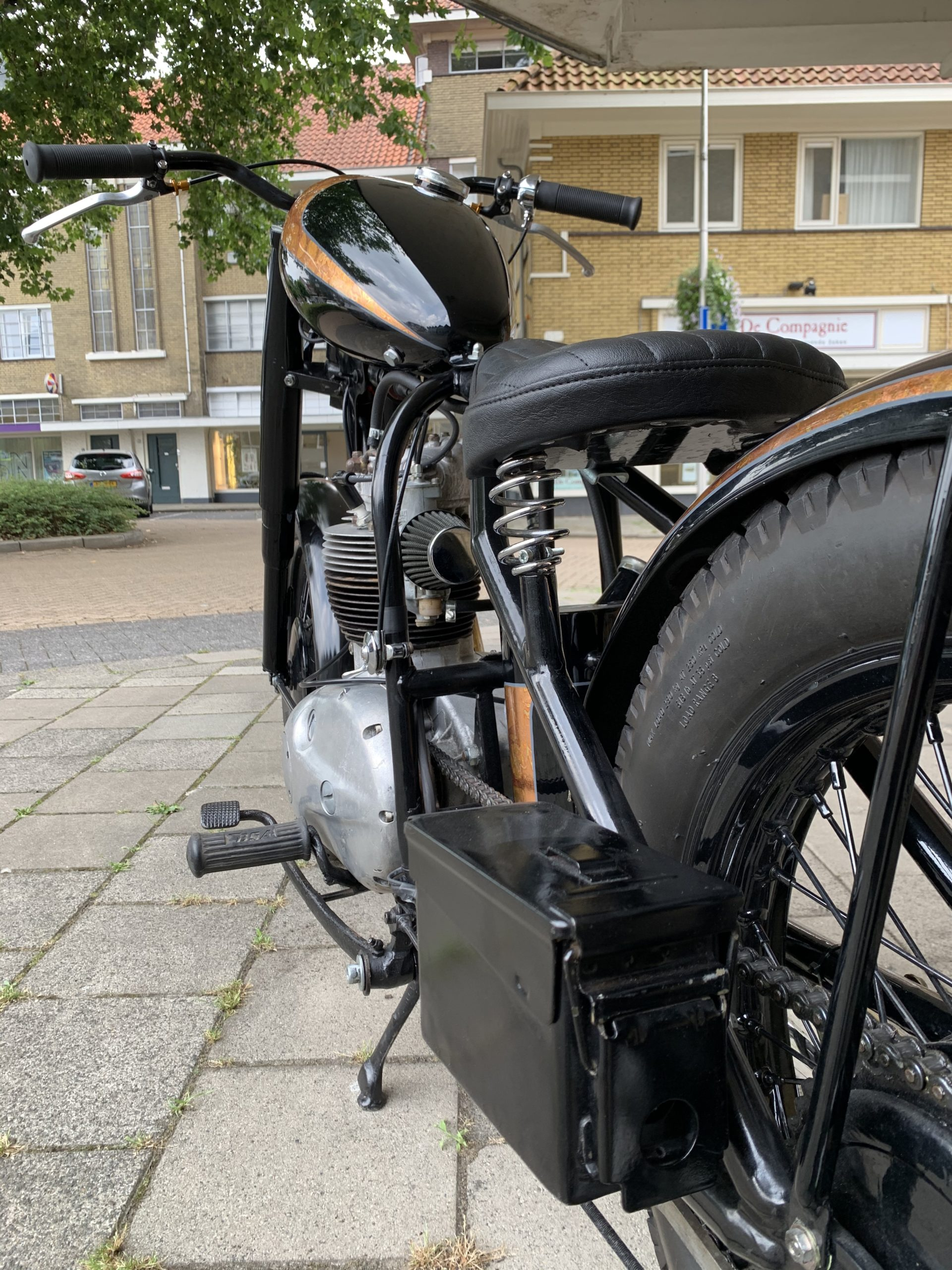 BSA B40 Bobber Vetvlek Garage For Sale